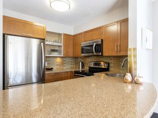 "Photo 10: 302 3161 W 4TH Avenue in Vancouver: Kitsilano Condo for sale in ""Bridgewater"" (Vancouver West)  : MLS®# R2443510"