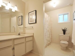 Photo 16: 423 Creed Pl in View Royal: VR Hospital House for sale : MLS®# 619958