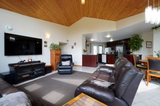 Photo 6: 32149 Road 68 N in Portage la Prairie RM: House for sale : MLS®# 202112201