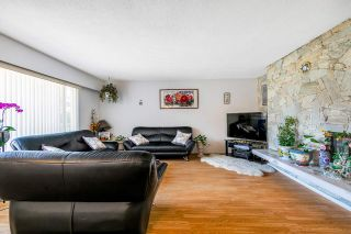 Photo 2: 10771 SPENDER Court in Richmond: Woodwards House for sale : MLS®# R2560852