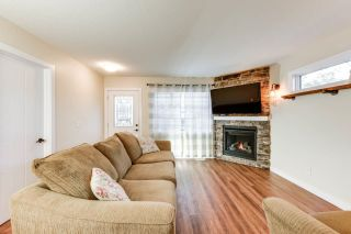 Photo 7: 76 DUNLUCE Road in Edmonton: Zone 27 House for sale : MLS®# E4261665