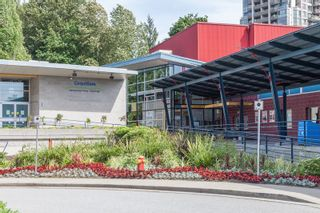 """Photo 37: 406 1190 EASTWOOD Street in Coquitlam: North Coquitlam Condo for sale in """"LAKESIDE TERRACE"""" : MLS®# R2491476"""