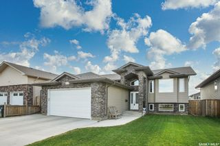 Photo 1: 607 1st Avenue North in Warman: Residential for sale : MLS®# SK858706