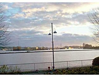 """Photo 1: 205 31 RELIANCE Court in New_Westminster: Quay Condo for sale in """"Quaywest"""" (New Westminster)  : MLS®# V690335"""