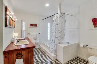 Photo 14: 28 Blong Avenue in Toronto: South Riverdale House (2 1/2 Storey) for sale (Toronto E01)  : MLS®# E4770633