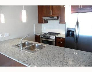 """Photo 3: 313 7088 SALIBURY BB in Burnaby: VBSHG Condo for sale in """"WEST"""" (Burnaby South)  : MLS®# V716077"""