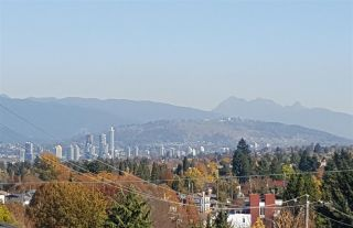 Photo 2: 5445 MANITOBA STREET in Vancouver: Cambie House for sale (Vancouver West)  : MLS®# R2199560