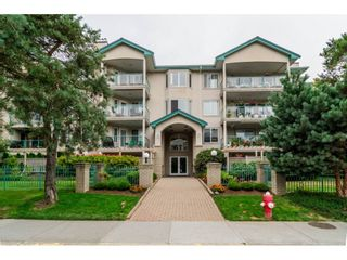 Photo 1: 209 20443 53 AVENUE in Langley: Langley City Condo for sale : MLS®# R2096431
