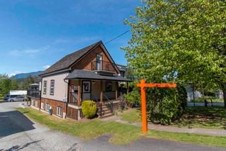 Main Photo: 2326 CLARKE Street in Port Moody: Port Moody Centre House for sale : MLS®# R2623946