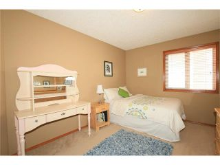 Photo 16: 18 WEST POINTE Manor: Cochrane House for sale : MLS®# C4072318