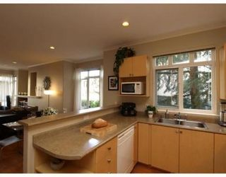 Photo 4: 1 119 6TH Street in North Vancouver: Lower Lonsdale Home for sale ()  : MLS®# V806537