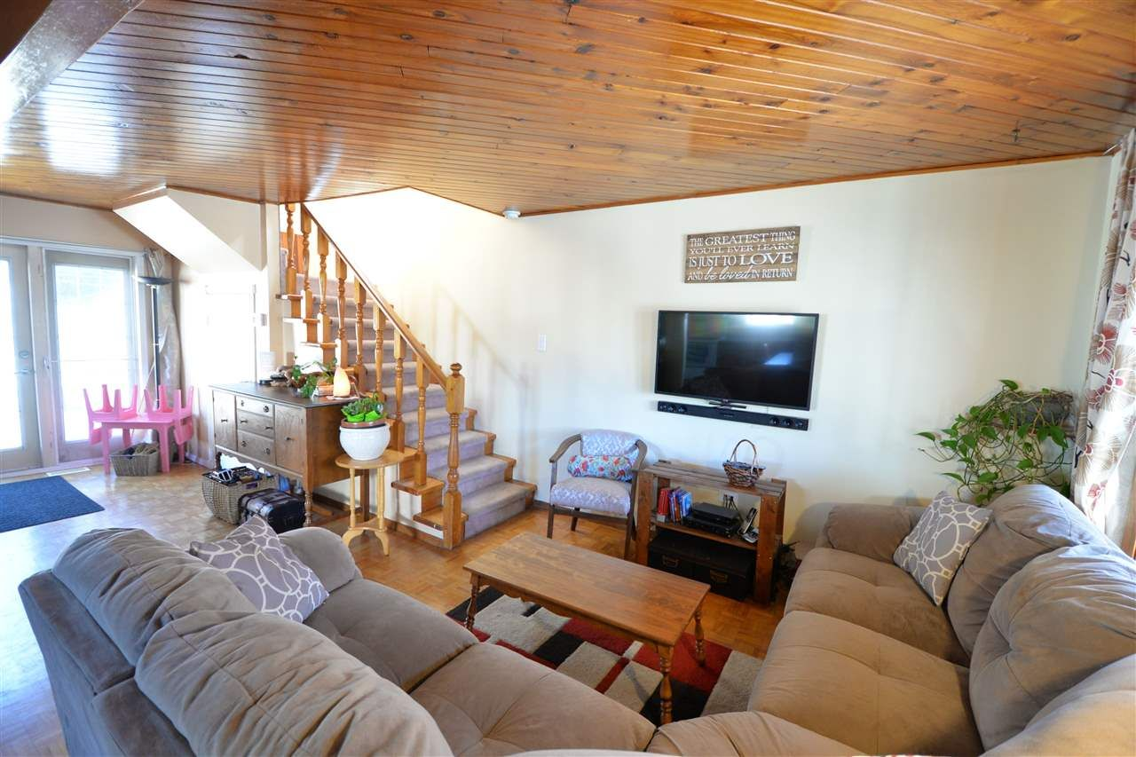 Photo 2: Photos: 4168 CARSON Street in Prince George: Mount Alder House for sale (PG City North (Zone 73))  : MLS®# R2148356