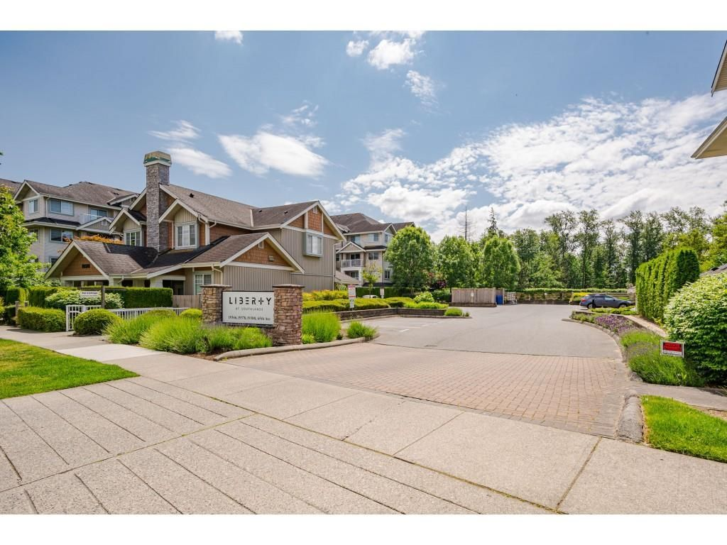 """Photo 3: Photos: 204 19366 65 Avenue in Surrey: Clayton Condo for sale in """"LIBERTY AT SOUTHLANDS"""" (Cloverdale)  : MLS®# R2591315"""