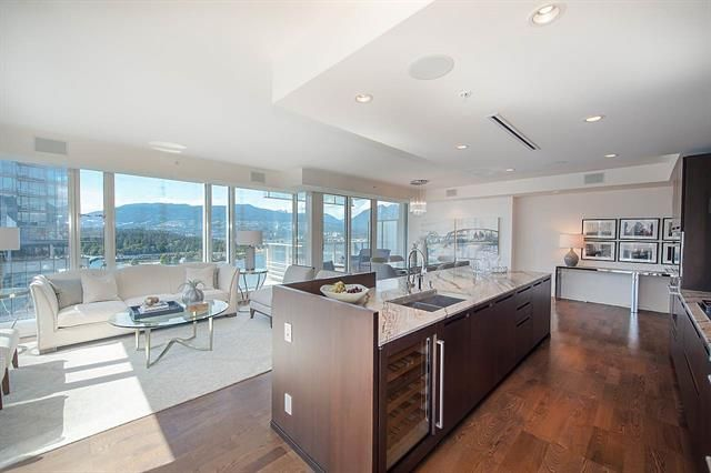 Main Photo: 2507-1011 Cordova St in Vancouver: Coal Harbour Condo for sale (Vancouver West)  : MLS®# R2291668