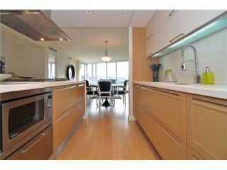 """Photo 8: 1603 8 SMITHE Mews in Vancouver: False Creek Condo for sale in """"Flagship"""" (Vancouver West)  : MLS®# V1064248"""