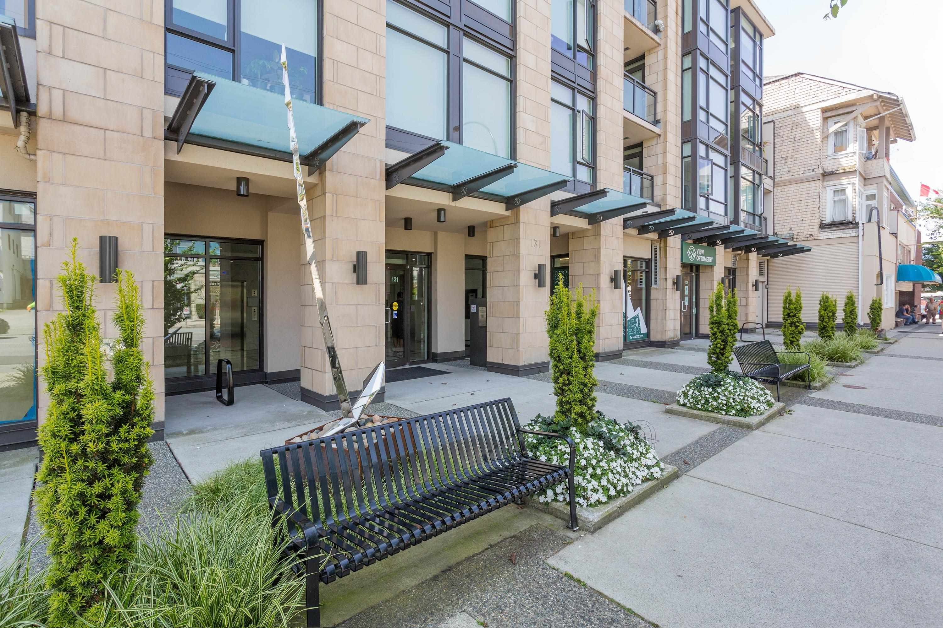 """Main Photo: 407 131 E 3RD Street in North Vancouver: Lower Lonsdale Condo for sale in """"THE ANCHOR"""" : MLS®# R2615720"""