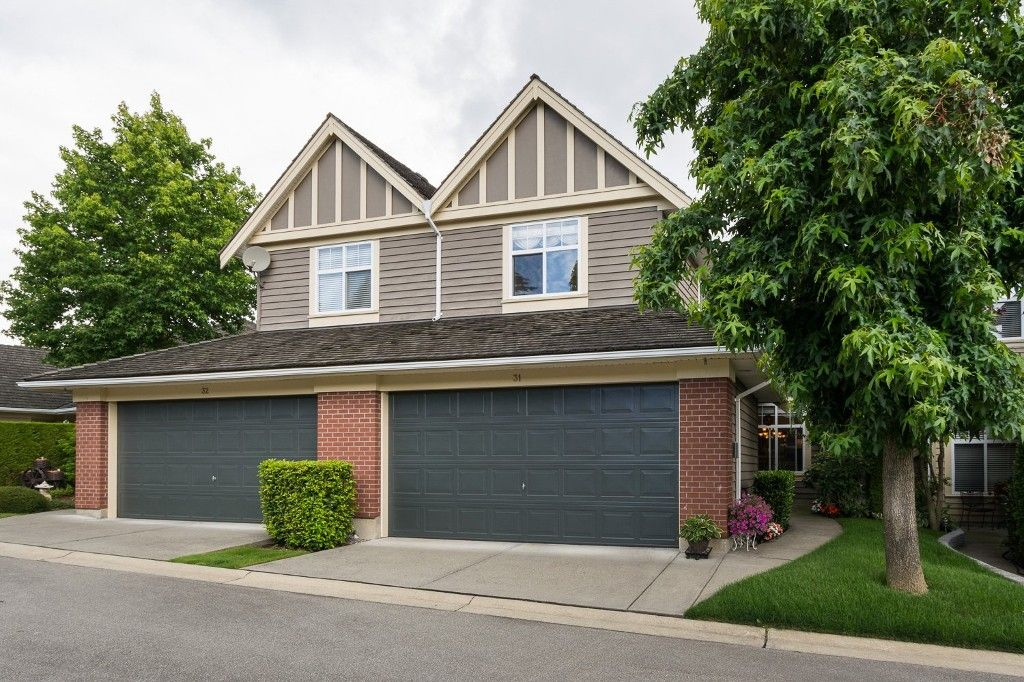 """Main Photo: 31 15450 ROSEMARY HEIGHTS Crescent in Surrey: Morgan Creek Townhouse for sale in """"CARRINGTON"""" (South Surrey White Rock)  : MLS®# R2089379"""