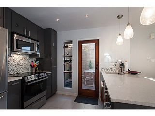 """Photo 11: 3 503 E PENDER Street in Vancouver: Mount Pleasant VE Townhouse for sale in """"Jackson Gardens"""" (Vancouver East)  : MLS®# V1035790"""