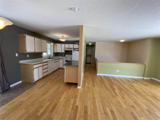 """Photo 2: 7961 ROSEWOOD Place in Prince George: Parkridge House for sale in """"PARKRIDGE"""" (PG City South (Zone 74))  : MLS®# R2448828"""
