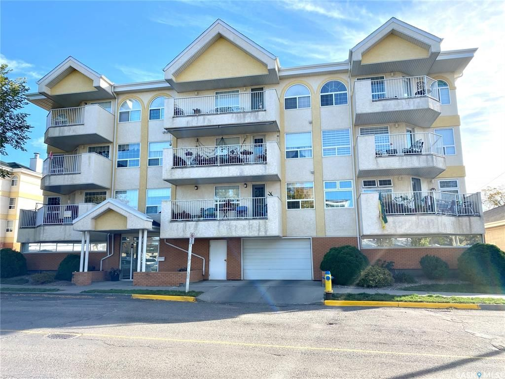 Main Photo: 203 1152 103rd Street in North Battleford: Downtown Residential for sale : MLS®# SK872061