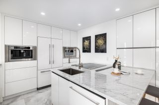 """Photo 10: 705 2445 W 3 Avenue in Vancouver: Kitsilano Condo for sale in """"Carriage House"""" (Vancouver West)  : MLS®# R2602059"""
