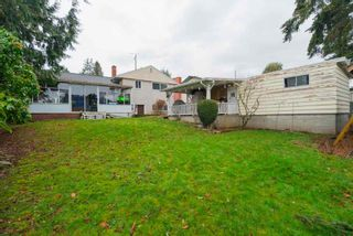 Photo 2: 1226 PARKER Street: White Rock House for sale (South Surrey White Rock)  : MLS®# R2343363