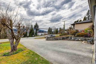 Photo 4: 843 IOCO Road in Port Moody: Barber Street House for sale : MLS®# R2507943