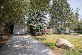 Photo 3: 2328 58 Avenue SW in Calgary: North Glenmore Park Detached for sale : MLS®# A1130448