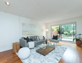 Photo 2: 5560 YEW Street in Vancouver: Kerrisdale Townhouse for sale (Vancouver West)  : MLS®# R2105077