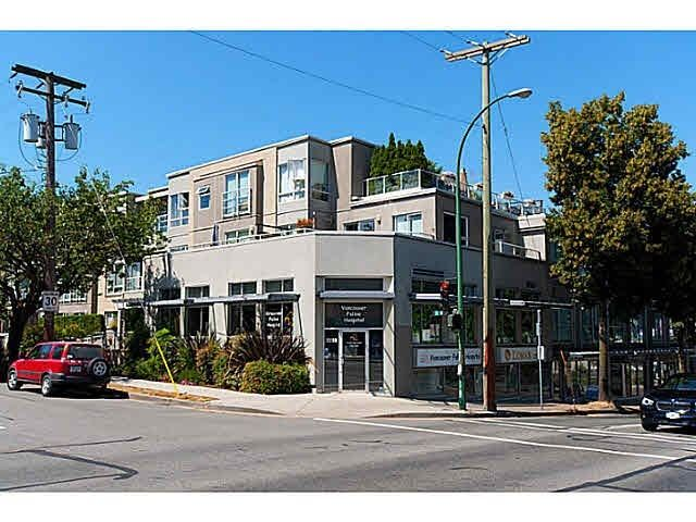 "Main Photo: 211A 1823 W 7TH Avenue in Vancouver: Kitsilano Condo for sale in ""THE CARNIEGIE"" (Vancouver West)  : MLS®# R2554823"