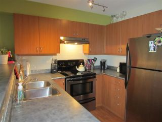 """Photo 5: 22 5388 201A Street in Langley: Langley City Townhouse for sale in """"THE COURTYARDS"""" : MLS®# R2064811"""