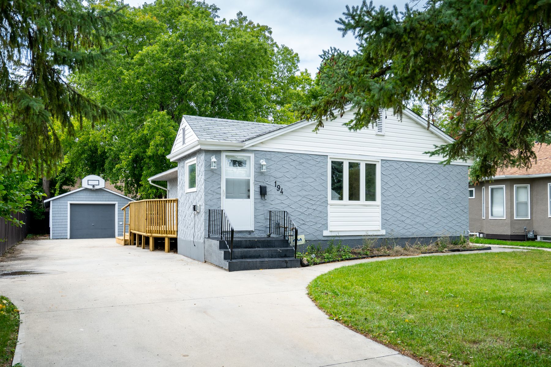 Main Photo: 194 Windham Road in Winnipeg: Woodhaven House for sale (5F)  : MLS®# 1923939