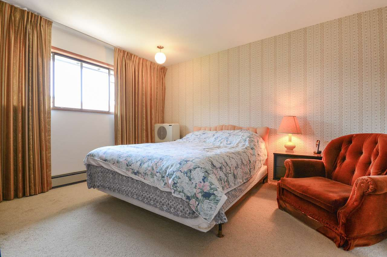 Photo 13: Photos: 1230 PHILLIPS AVENUE in Burnaby: Simon Fraser Univer. House for sale (Burnaby North)  : MLS®# R2288510