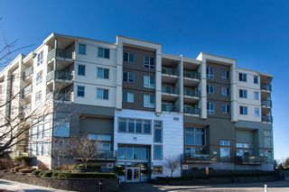 """Photo 1: 428 15850 26 Avenue in Surrey: Grandview Surrey Condo for sale in """"The Summit House"""" (South Surrey White Rock)  : MLS®# R2135376"""