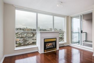 "Photo 2: 1605 10 LAGUNA Court in New Westminster: Quay Condo for sale in ""LAGUNA COURT"" : MLS®# R2155689"