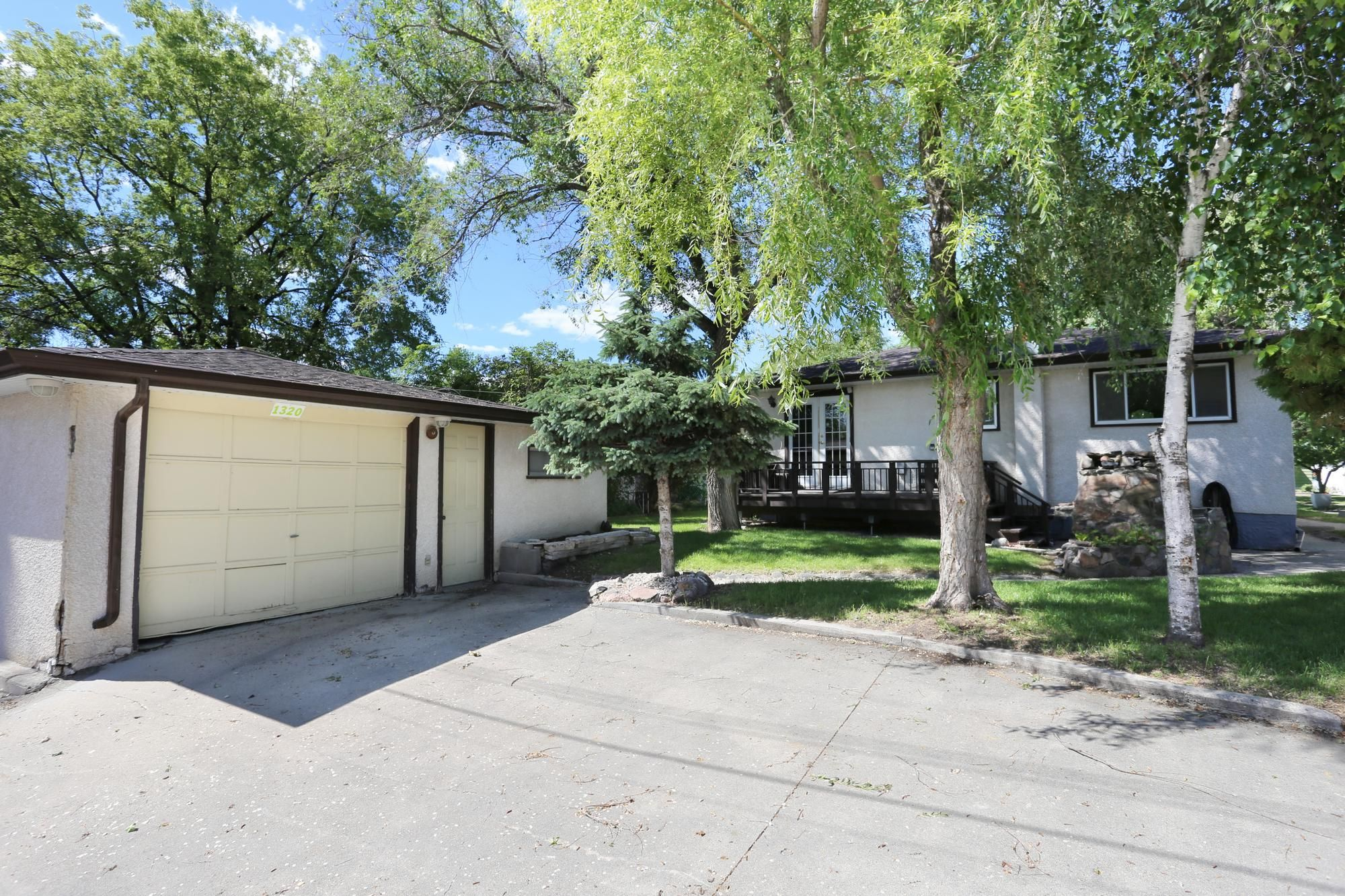 Photo 31: Photos: 1320 Valour Road in Winnipeg: West End Single Family Detached for sale (5C)  : MLS®# 1816744