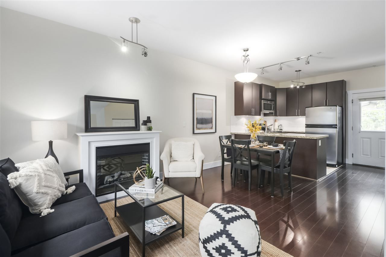 """Main Photo: 214 5211 IRMIN Street in Burnaby: Metrotown Townhouse for sale in """"ROYAL GARDENS"""" (Burnaby South)  : MLS®# R2484956"""