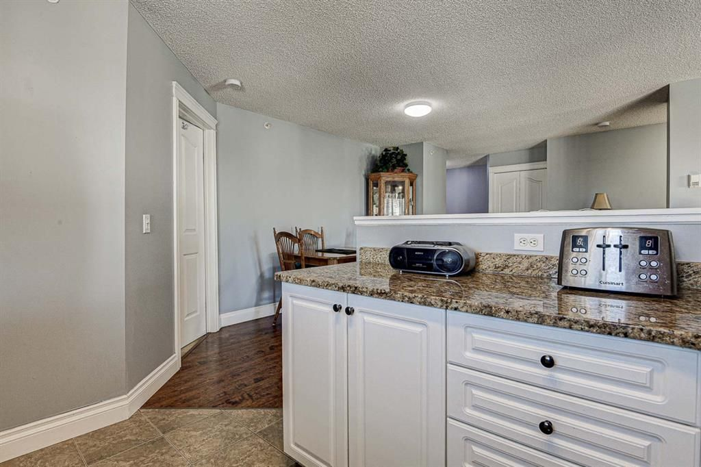 Photo 15: Photos: 414 6000 Somervale Court SW in Calgary: Somerset Apartment for sale : MLS®# A1126946