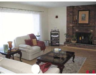 "Photo 3: 10204 CRYSTAL DR in Chilliwack: Fairfield Island House for sale in ""FAIRFIELD"" : MLS®# H2600895"
