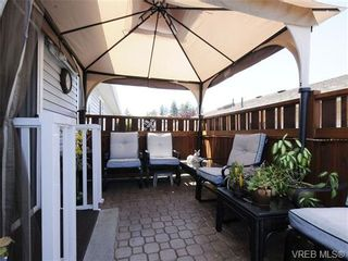 Photo 3: 82 Wolf Lane in VICTORIA: VR Glentana Manufactured Home for sale (View Royal)  : MLS®# 700173