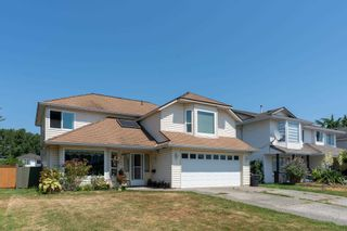 Photo 2: 20723 51A Avenue in Langley: Langley City House for sale : MLS®# R2601553