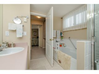 """Photo 15: 202 2963 NELSON Place in Abbotsford: Central Abbotsford Condo for sale in """"Bramblewoods"""" : MLS®# R2071710"""