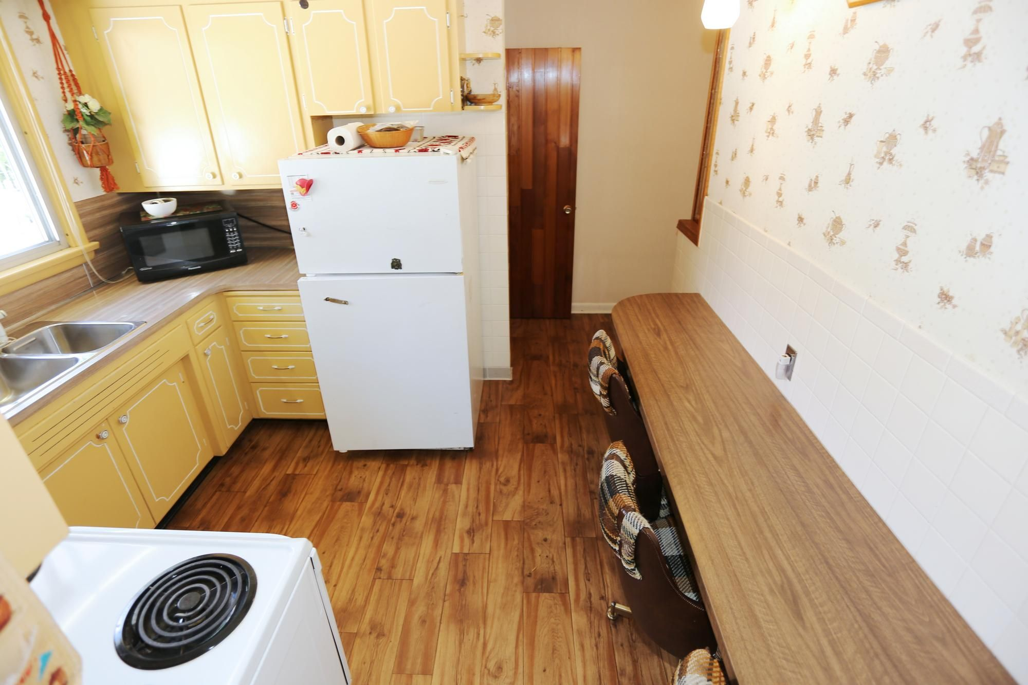 Photo 10: Photos: 1320 Valour Road in Winnipeg: West End Single Family Detached for sale (5C)  : MLS®# 1816744