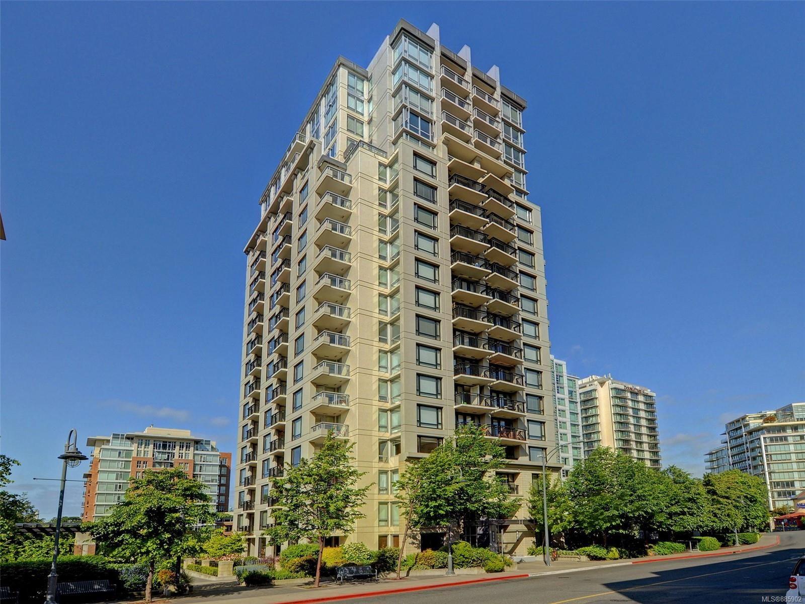 Main Photo: 704 751 Fairfield Rd in Victoria: Vi Downtown Condo for sale : MLS®# 885902