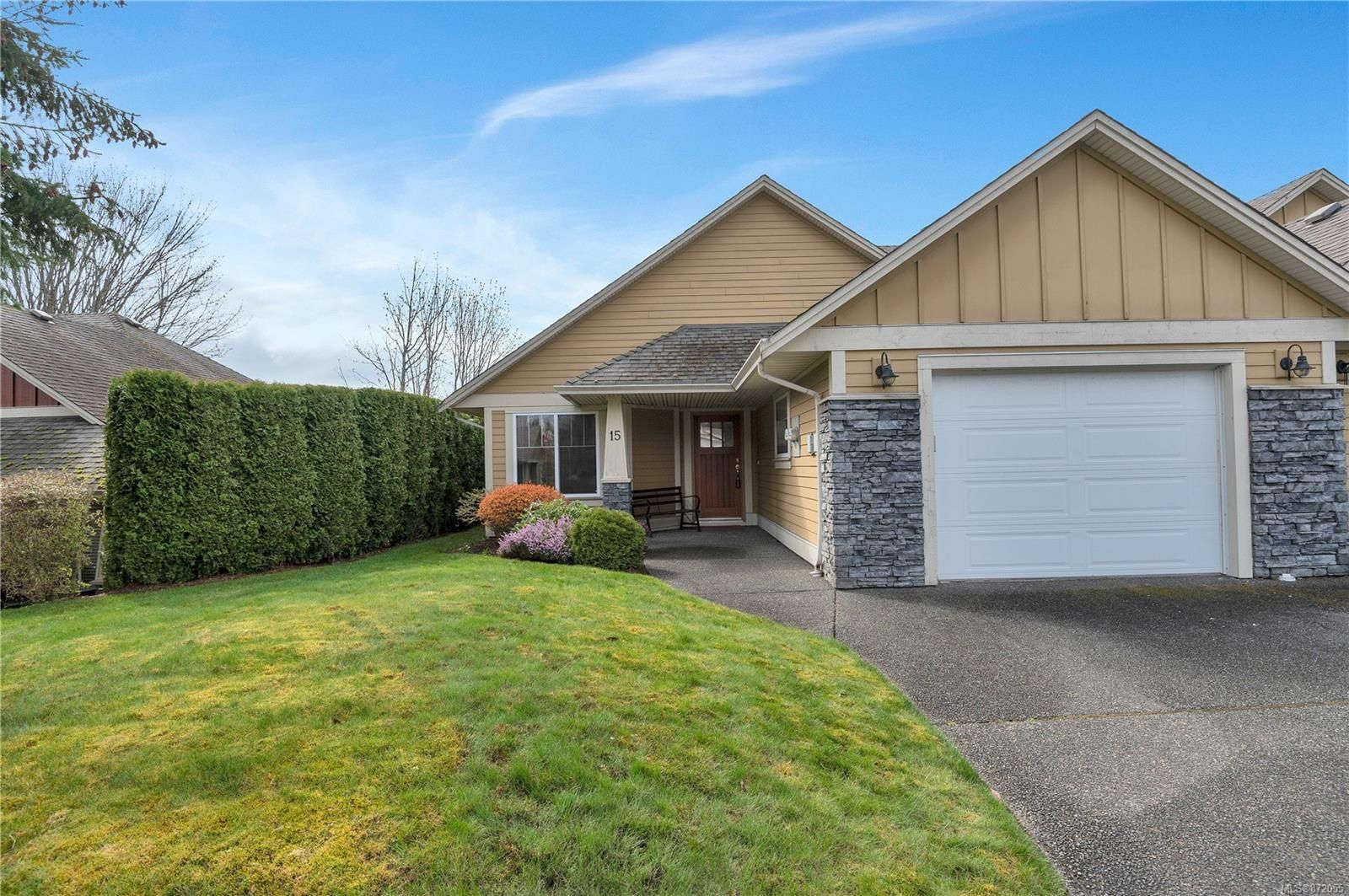 Main Photo: 15 769 Merecroft Rd in : CR Campbell River Central Row/Townhouse for sale (Campbell River)  : MLS®# 872055