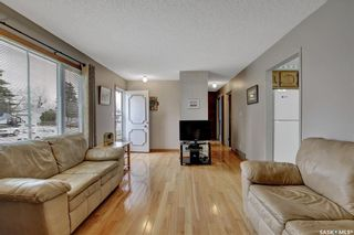Photo 4: 636 Sneddon Street in Regina: Mount Royal RG Residential for sale : MLS®# SK852647