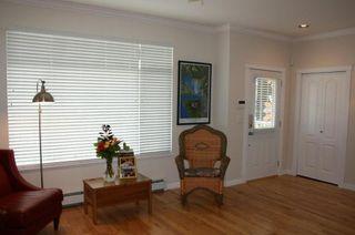 Photo 3: 15487 Goggs Avenue in La Villettina: Home for sale : MLS®# F1023920