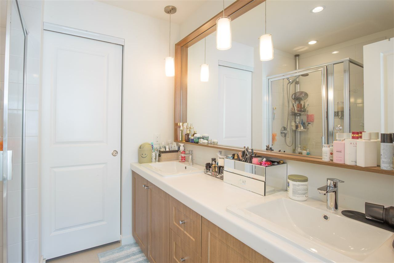 """Photo 10: Photos: 90 8438 207A Street in Langley: Willoughby Heights Townhouse for sale in """"YORK BY MOSAIC"""" : MLS®# R2352607"""
