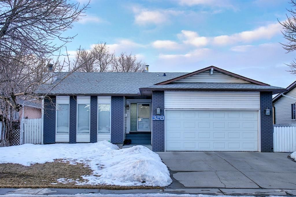 Main Photo: 328 Templeton Circle NE in Calgary: Temple Detached for sale : MLS®# A1074791