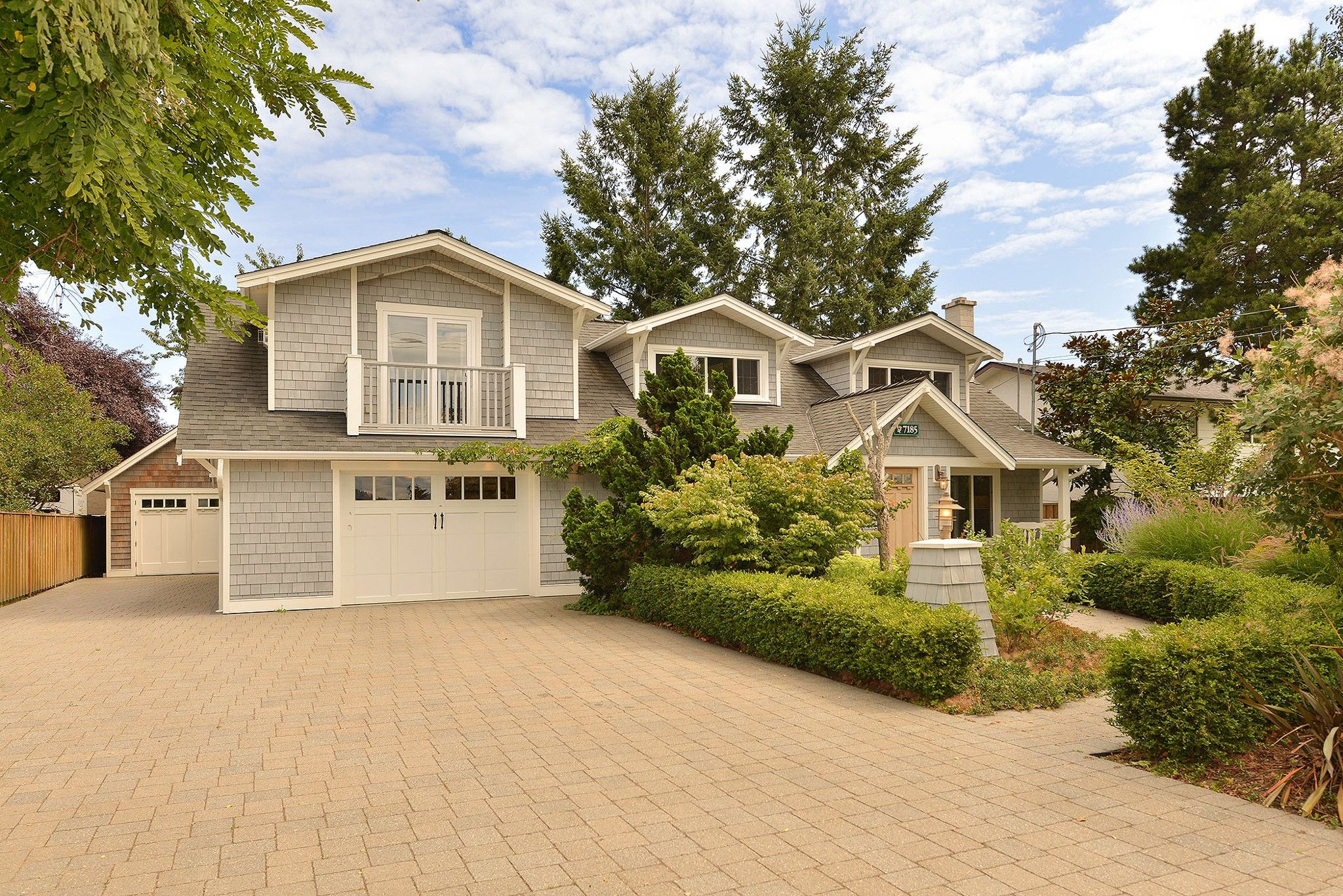 Main Photo: 7185 SEABROOK Road in VICTORIA: CS Saanichton House for sale (Central Saanich)